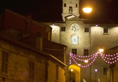 Gustando il Natale, a San Lorenzo in Campo 80 espositori per i mercatini. Babbo Natale arriverà a cavallo