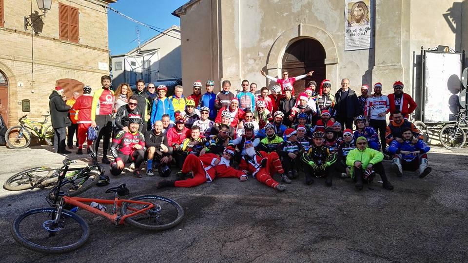 Babbo Natale In Bicicletta.Bici Babbo Natale Comune Di San Lorenzo In Campo