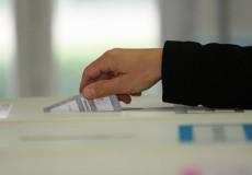 """Consultazione referendaria del 17 Aprile 2016 """"Le trivellazioni in mare"""": Convocazione Comizi Elettorali ed Istruzioni per l'elettore temporaneamente all'estero"""