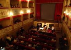 """""""1 palco 1000 emozioni"""", al teatro di San Lorenzo in Campo concerti, comicità, danza, prosa"""